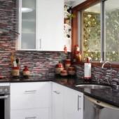 tiled kitchen splashback